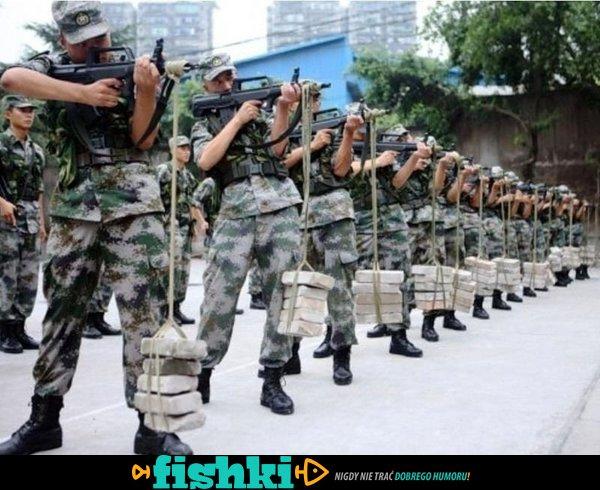 Wyluzowani wojskowi - zdjęcie 1