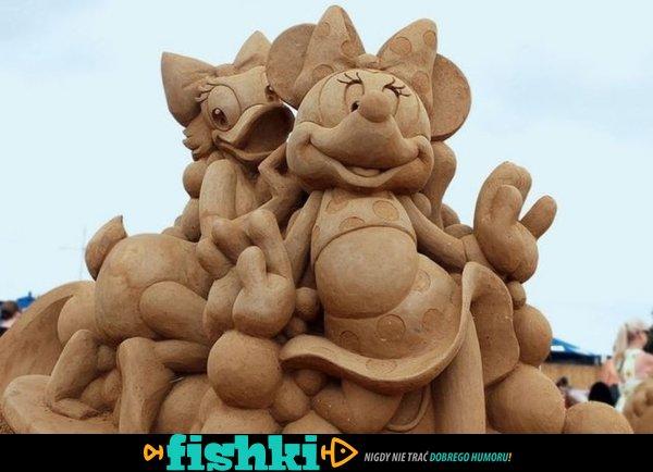 Rewelacyjne rzeźby z piasku