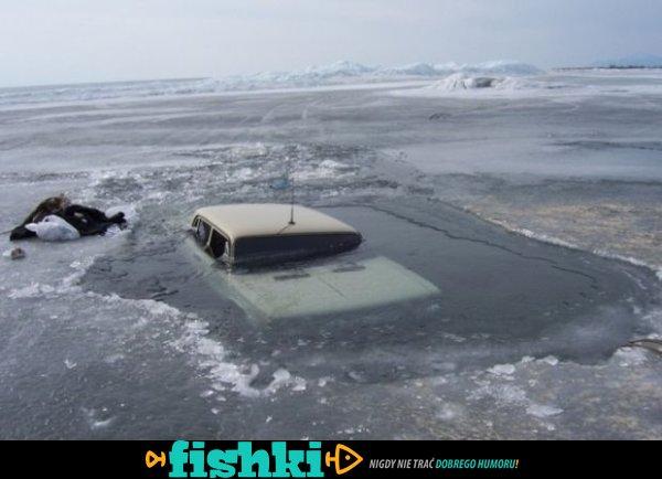 Rosja, lód i samochody