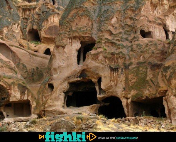 Podczas remontu piwnicy odkrył starożytne podziemne miasto - zdjęcie 10