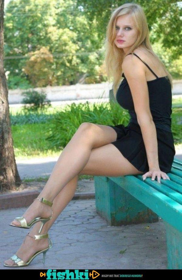 W obcisłych sukienkach - zdjęcie 27
