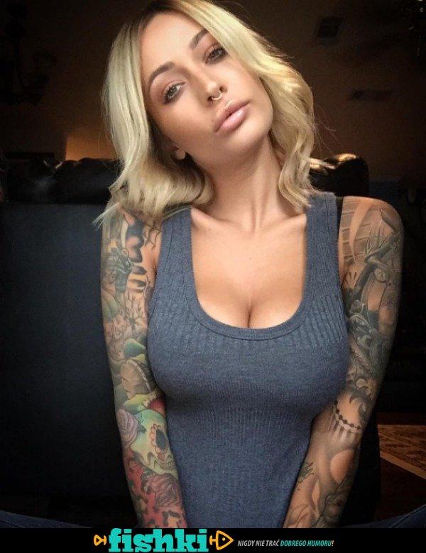 Z tatuażami