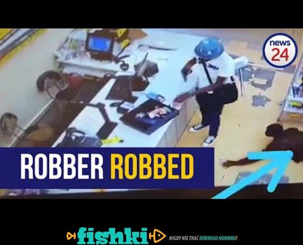 W Afryce to nawet bandytę podczas napadu okradną