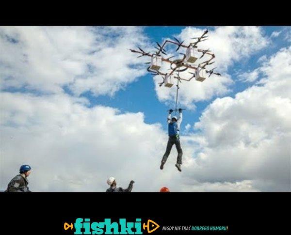 Skok na spadochronie z drona