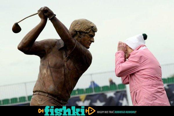 Śmieszne zdjęcia z pomnikami