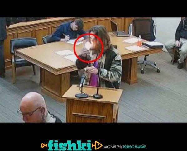 W sądzie zapalił marihuanę