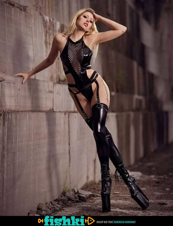 [Obrazek: default-1607336924-latex-leather-girls-20.jpg]
