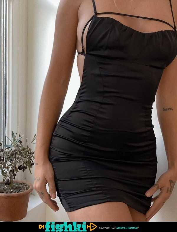 W sukienkach