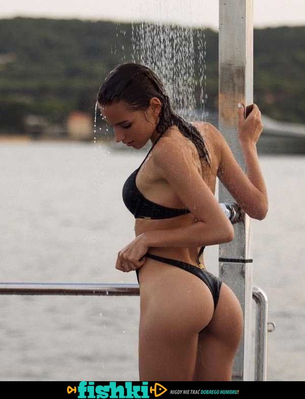 [Obrazek: default-1611563837-bikini-babes-34.jpg]